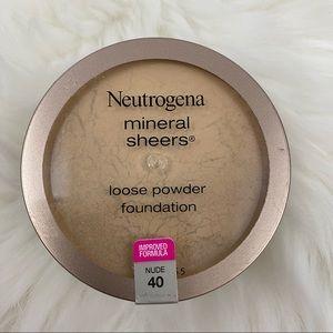 4/$20 Neutrogena Powder Foundation Nude (40)
